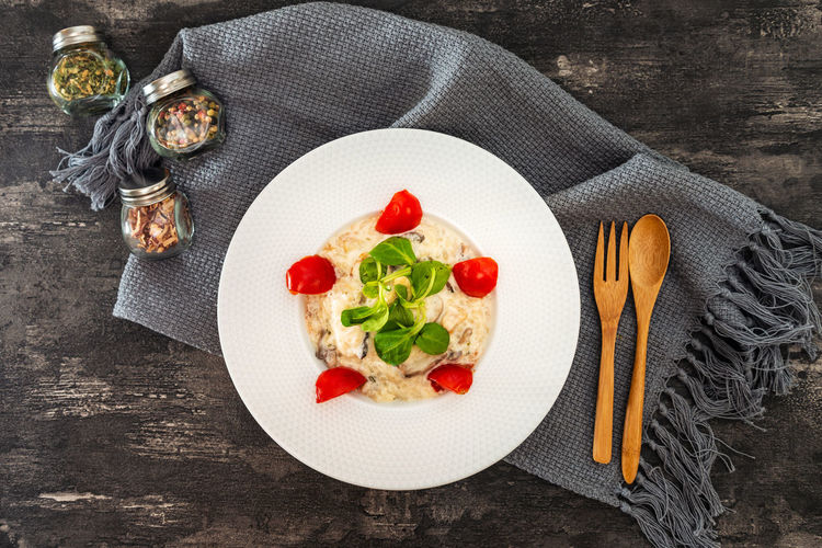 Basil Cheese Cherry Tomato Crockery Dairy Product Food Food And Drink Freshness Fruit Garnish Healthy Eating Herb Italian Food Kitchen Utensil No People Pasta Plate Preparation  Spaghetti Spice Tomato Vegetable Vegetarian Food Wellbeing Wood - Material