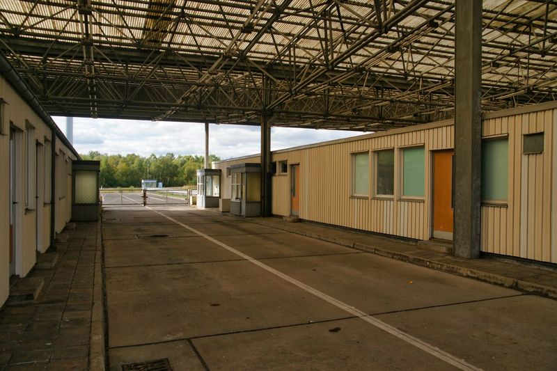 DDR DDR Grenze DDR Time DDR Design DDR-Architektur DDR-Relikt Day Grenzkontrollstelle Old