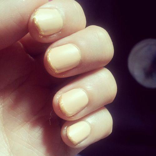 :) Naillacquer KikoDenim KikoSunShow KikoMakeUpMilano Kiko Nails NailPolish Cream Shinny Sparkle Mat Gold @kikocosmeticsofficial @kiko_fanpage ♥