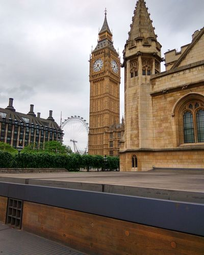 3 icons one pic.. Hanging Out London Eye Bigben Westminster Abbey Citystreets Citystructures