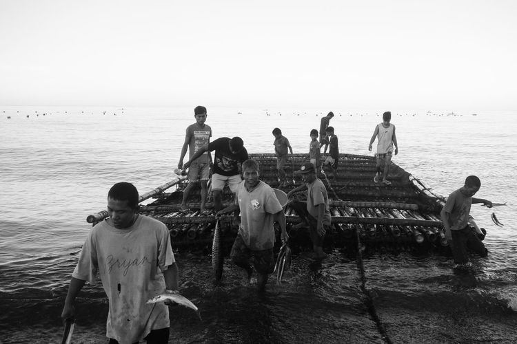 A typical morning in the coastal Barangay of Malabor, Tibiao, Antique. Antique Beach Coastal Life Daily Life EyeEm Gallery Outdoors Panay Philippines Southeast Asia Street Photography Up Close Street Photography Visayas Hunting Lambaklad People People And Places