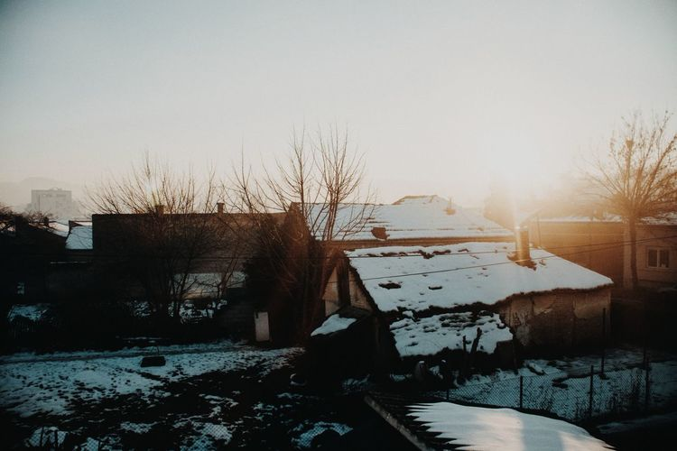 setting sun in the winter Focus On Foreground Outdoors EyeEm Best Shots EyeEmNewHere EyeEm Selects Lifestyles Water Snow Cold Temperature Winter Sky Condensation Foggy