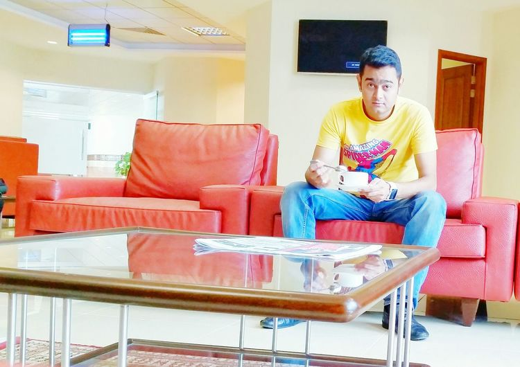 Cip Lounge Business Lounge Businessman Young Man Hi! Check This Out That's Me Taking Photos Hello World Enjoying Life