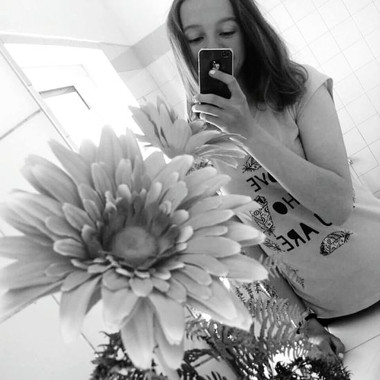 Me Mirror Sunny Flower LoveWhoYouAre Black & White