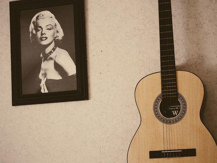 Marilyn Vintage Marilyn Monroe Guitar Taking Photos Wall Interior Wall Interior