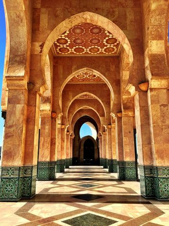 Hassan II Casablanca Morocco Mosquee Moschea Hassan2 Mosquee Hassan II Architecture Architecturelovers Architecture Details Hidden Gems  Built Structure Arch Travel Destinations Architectural Column Diminishing Perspective Building Arcade Religion Shadow Corridor