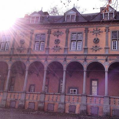Kultur #rheydt #nrw #schloss #rheydt Historic Historical Igersgermany Igersnrw Rheydt Antic Antik Sun Medival Sunshine Sunrise NRW Culture Schloss