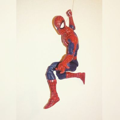 Here comes the spiderman! Spiderman Peterparker Webswinging Spidey WEBS Spiderblood Marvel Avengers Amazingspiderman Amazing Ultimatespiderman Figure Collecting Marvelcomics Infiniteseries Marvellengends Figurecollecting