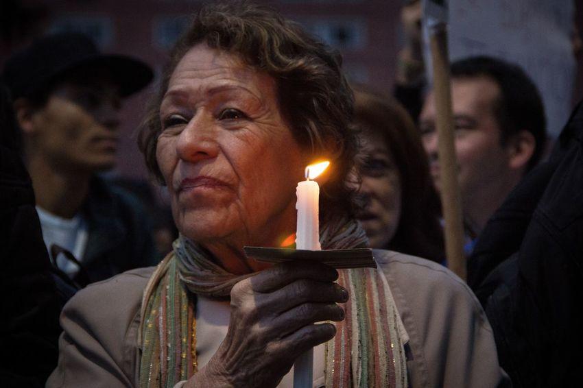 Nostalgica jornada se vive en Colombia , miles de Colombianos salen a las calles a marchar exijiendo la aprobación de los acuerdos de paz con las FARC-EP Farc Guerra Paz Colombia Conflicto Acuerdodepaz