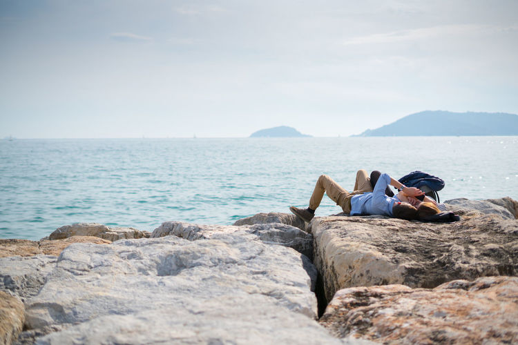 We'll make a memory out of this. Embrace Urban Life Hanging Out Liguria Love Love ♥ Lêr Ontherocks Palma Relaxing Saturday Sea Sea And Sky Selfie Spring Springtime Water Young Adult Young Lovers Live For The Story