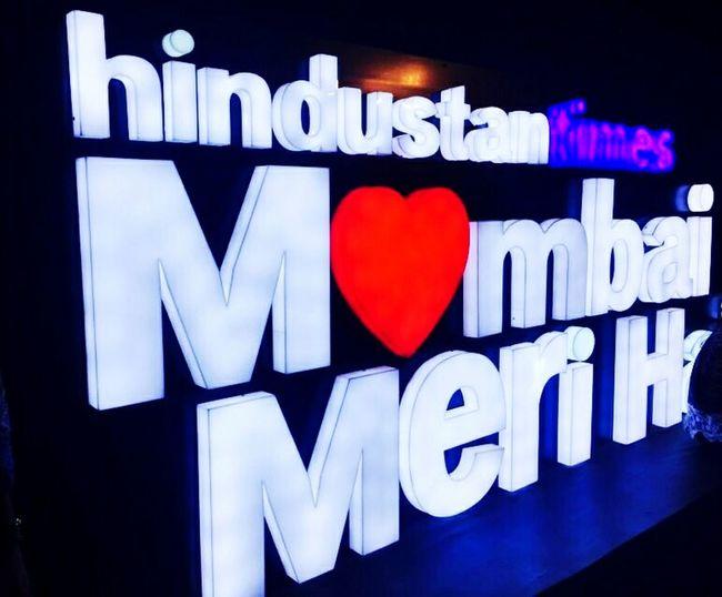 MumbaiDiaries Mumbaimerijaan Heart Shape Motivation Architecture Grafiti Kalaghodafestival Kalaghoda🐴 Art Festival