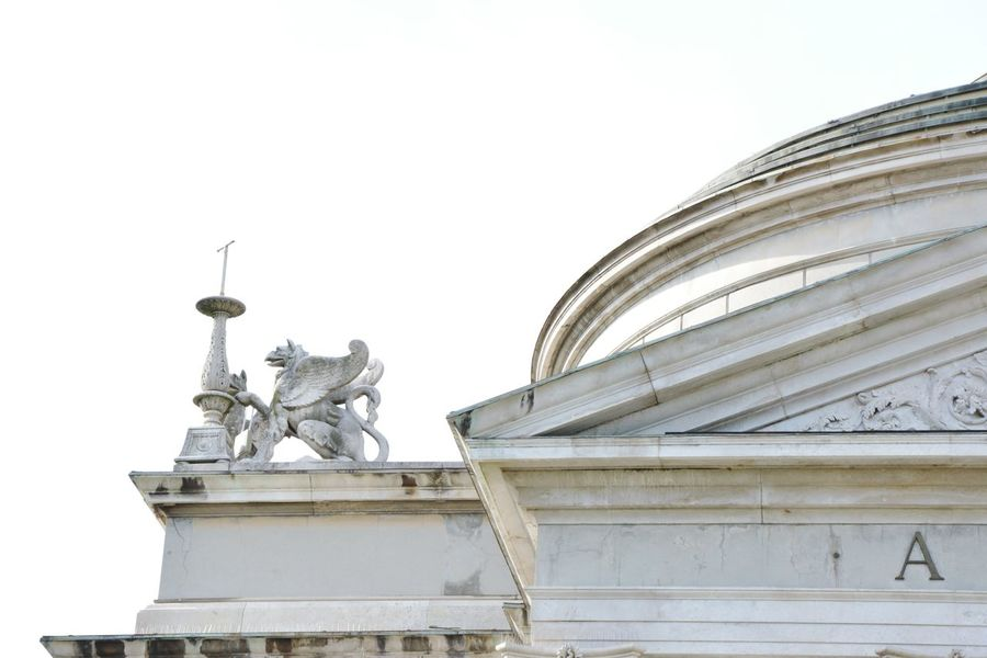 Architecture Vacation Italy Como Sculpture Lion Wings Historical Building