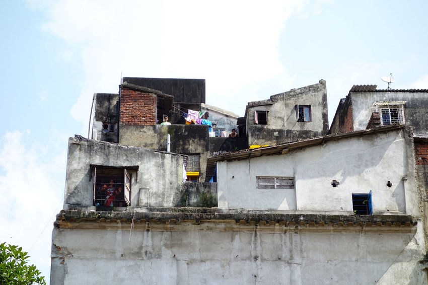 Roof top complexity Window Balcony Terrace Drying Roof Building Exterior Variation Outdoors Streetphotography Tourism Sunlight Wall Residential Building Puzzle  Daylight Complexity Façade Travel Photography Architecture ASIA Outdoor Photography Outdoor India The Architect - 2018 EyeEm Awards Window Box Deterioration Run-down Rooftop Ghetto Exterior
