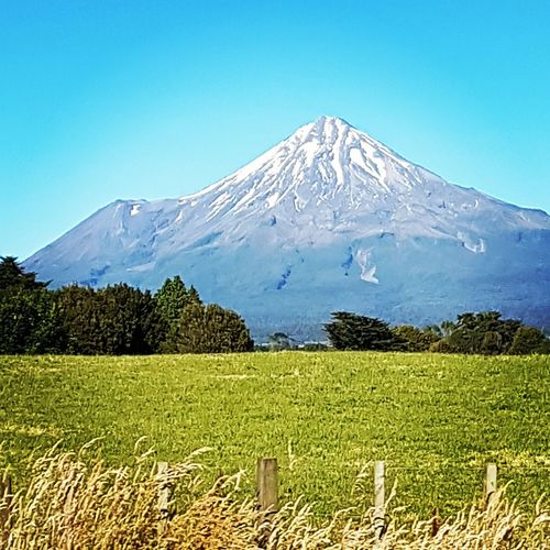 Mount Taranaki, New Zealand on a sunny summer morning Mountain Ruapehu Places In New Zealand Skiing Scenics Mountain Nature Beauty In Nature Landscape Tranquility Idyllic