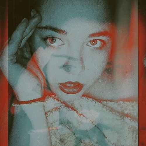 inst: valek_cheburek Young Adult Young Mobilephotography Mobile Photography Crazy Crazy Face Girl 3D Blue Weird Red Color Depersonalization Lights Young Women Portrait Beautiful Woman Human Face Red Looking At Camera Studio Shot Headshot Close-up Double Exposure Thinking