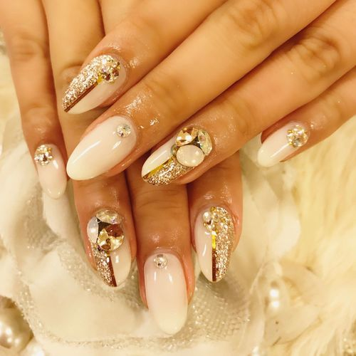 Self Selfies Self Portrait ネイル Human Hand Jewelry Nail Human Body Part Nail Polish Hand Ring Body Part Nail Art Human Finger Fashion Fingernail Diamond - Gemstone Finger Females Women Close-up Shiny Adult
