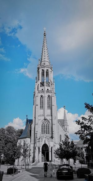 Church 💢 Project790301 💢 Zle_slowa_w_dobrej_duszy Nasirlnd Project790301 Umysł Mysl Dobryduch Mocduszy Mocserca Wemnie Wnas Poland 4her Polska Brain Blowmind City Tree Statue Sculpture Religion Place Of Worship History Politics And Government Sky Architecture Snow Covered Royal Person Fountain Queen - Royal Person