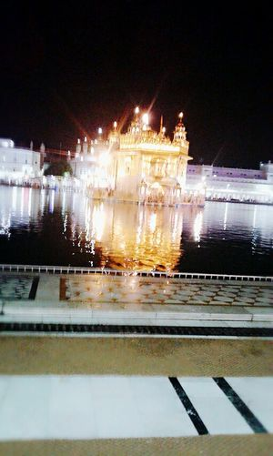 Shiri Harmandir Sahib Illuminated Night Architecture Building Exterior Built Structure Reflection Water Travel Destinations Tourism Famous Place History Outdoors City Life Façade International Landmark Local Landmark Waterfront First Eyeem Photo