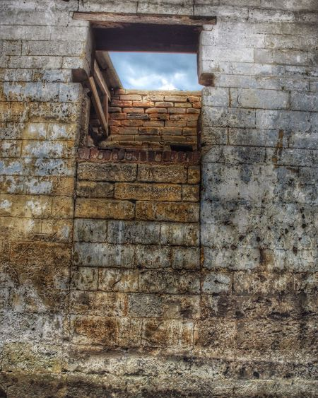 Old Building  Inside Out See Trough Wall Window Clouds And Sky Abandoned Housing Outdoors Architecture Fine Art Photography Stone Roofless Section Urbex