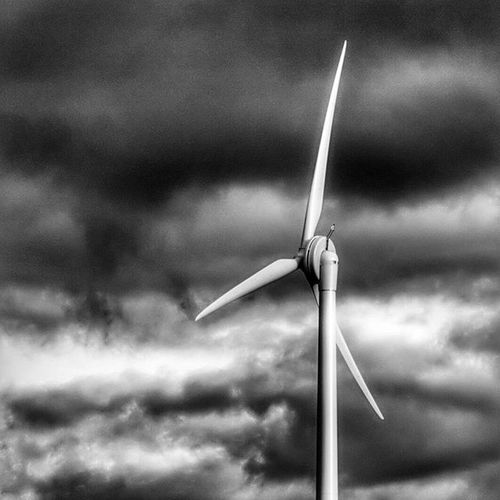 Measham-Appleby Magna Turbine Moody Weather rolling in. Measham Applebymagna Leicestershire Derbyshire Village Town Tech Environment Eco Turbine Wind .Windturbine Countryside Canon Canon600D Blackandwhite Monochrome Moody Weather Photooftheday Instapic