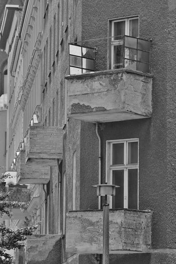 Architecture Bad Condition Balkon Built Structure Day Façade House Laterne No People Obsolete Old Outdoors Prenzlauer Berg Ruined S/w Trzoska Window