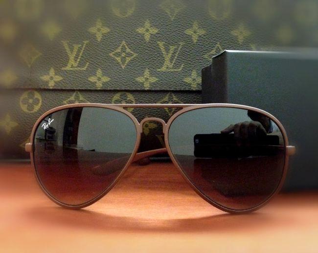 Bag and shades