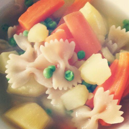 Für heute genau das richtige! Krank Balsamfürdieseele Farfalle Karotten kartoffeln erbsen