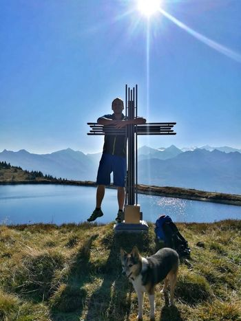 Bergsee Hund No People Outdoors See Nature Happy Glück Water Full Length Men Standing Dog Lake Portrait Mountain Reflection Sky Sun