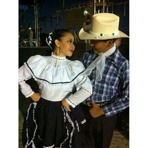 Chihuahua Folklor Rodolfito Dominguito amamosbailar <3