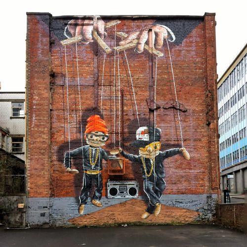 Glasgow street art at John Street. Glasgow  Streetart Travel Puppet Strathclyde Tomspix Tomsphotos Two Is Better Than One