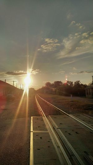 Taking Photos Relaxing Enjoying Life Sun Down Railroad Track Gorgeous Georiga