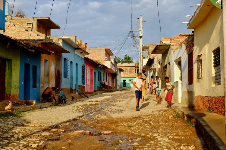Trinidad life. Cuba Havana Local People Watching Trinidad Architecture City Cuban Cuban Life Day Group Of People House People Real People Road Sky Street Street Photography Streetphotography The Traveler - 2018 EyeEm Awards