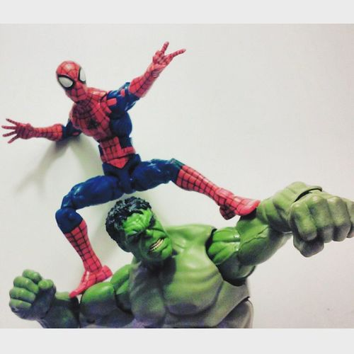 """Lets go smash some badies!"" Marvellegends Spiderman Amazingspiderman Mcu Theincridiblehulk Hasbro Disney Infiniteseries Marvelfigures Webhead Marvelentertainment Webslinger Thehulk Figurecollection Collector Collection Figurelife Articulatedcomicbook Actionfigurephotography Actionfigures Baf"