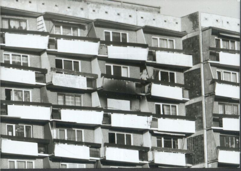 Haus House Fassade Front Rostock Lüttenklein DDR Retro
