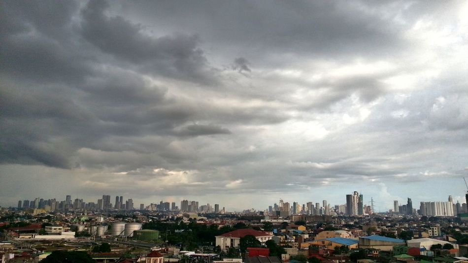 """""""somber Manila""""...... Colour Of Life Gloomy Weather Gloomy Day Photography Sky_collection Sky And Clouds Skyline Manila Skyline Photography At The Finest! Skylovers Landscapes Landscape Landscape_photography Eyeem Collection Mobile Photography Eye4photography  Eyeemmarket EyeEm Getty Images EyeEm Best Shots @ Manila , Philippines"""