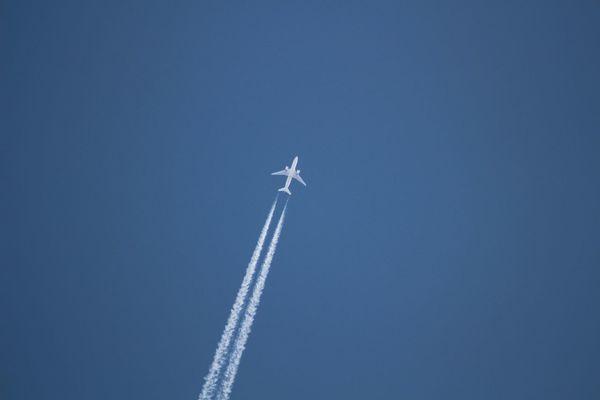 Aeroplane Vapor Trail Jumbojet Flying