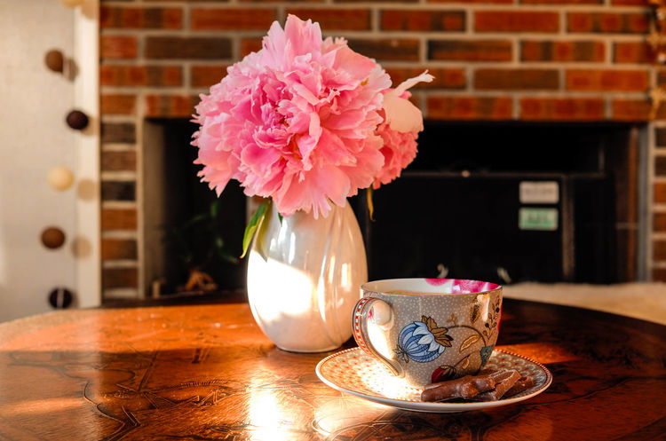 Coffee Coffee And Sweets Coffee Time Coffee ☕ Home Is Where The Art Is Home Sweet Home Peonies Coffee - Drink Coffee Cup Flower Flower Head Flowers, Nature And Beauty Fragility Indoors  No People Table Vase EyeEmNewHere
