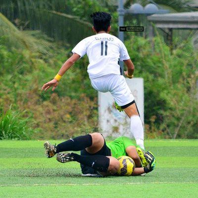 @miggyclarino ⚽ . . . UAAP Uaap77 Uaapseason77 ADMUvsUST juniors ateneo AdMU UST uste sbspotlight soccerbible football themanansala