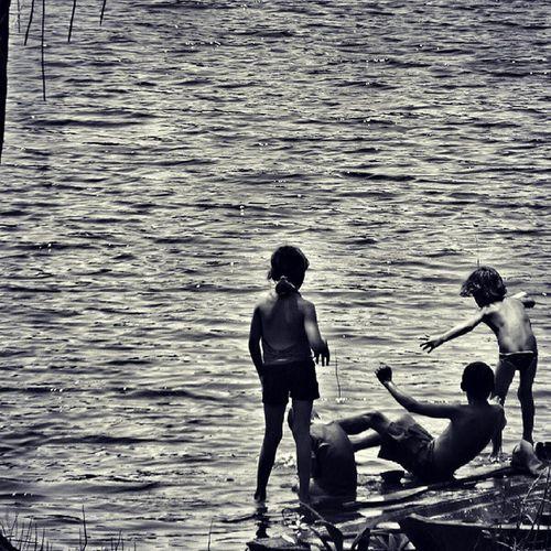 Quatro curumins. Amazonia Amazonian Photojournalism Childhood River Blackriver Rionegro Anthropology