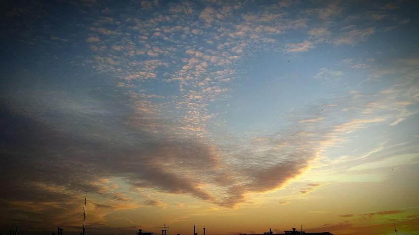 Relaxing Cloud And Sky Piateczek Piatunio