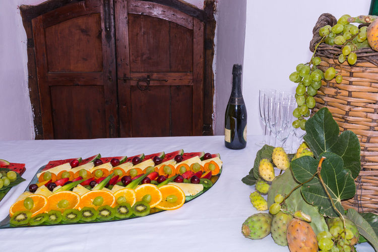 Fruits Lover Fruits ♡ Restaurant Art Restaurant Scene Restaurant View Restaurants Day Door Food Food And Drink Freshness Fruit Fruit Photography Fruitporn Fruits Healthy Eating No People Outdoors Restaurant Restaurant Decor Restaurant Decoration Restaurant Food Restaurant Interior Restaurant Interior Design Restaurant Table
