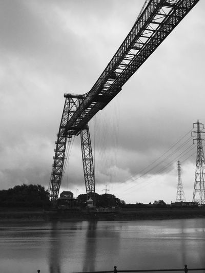 Wales - Transporter Bridge (P6)