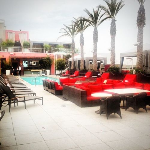 Looks awesome even on cloudy days! Whollywood Hollywood Losangeles