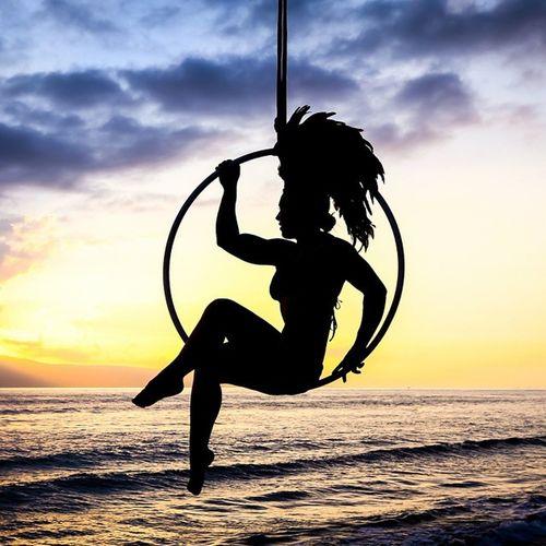 Just hanging around Maui Sunset Silhouette Beautiful Goddess Hawaii Lyra Aerialist Youonlyliveonce Model: Amy Erickson