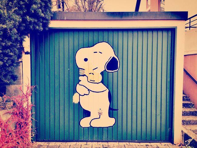 """Snoopy & Woodstock"" Snoopy Woodstock Comic Art ArtWork Streetart Germany Comicart Makemesmile Fun Funny Dog Bird Photooftheday Garage Garageart Snoopy ♥"
