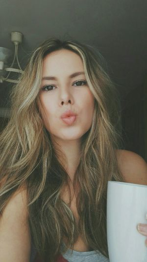 Hi loves . Taking Photos Hello World That's Me Selfportrait Selfies Enjoying Life Love Kisses Selfie Hanging Out Morning Coffee Vscocam Beautiful