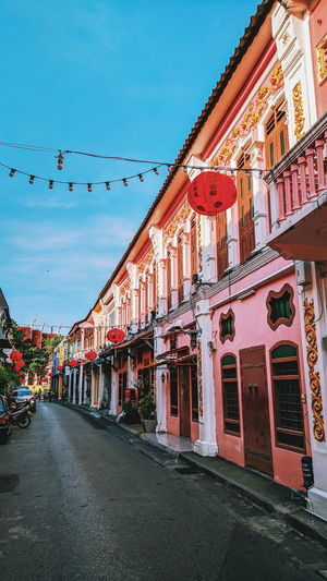 Sino Thalang Road Living Building Culture Legacy Lifestyle Architecture Pink Old Quarter Old Town Old City Ancient Ancient Building Retro Sino City Sky Architecture Building Exterior Built Structure Civilization Road Marking Empty Road Archaeology Ancient Civilization