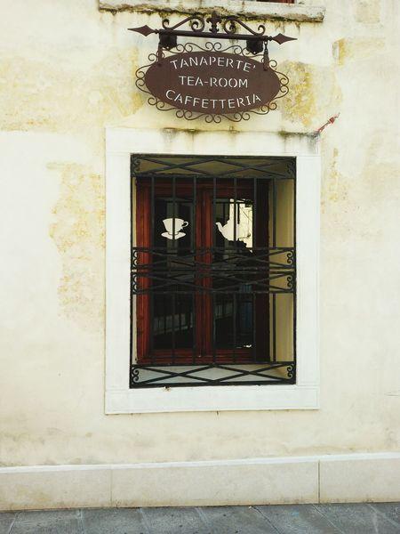 Tanaperte Treviso Trevisocity Tea-room Caffetteria Vecchio Bar Passeggiando Passeggiando Per Le Vie Del Centro Andiamoalavorare Day Good Morning Colazione Time  Colazione Bella Giornata