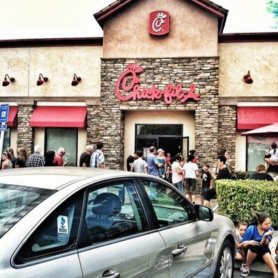 Wow the line for chick-fil-a is long Crazy Longline