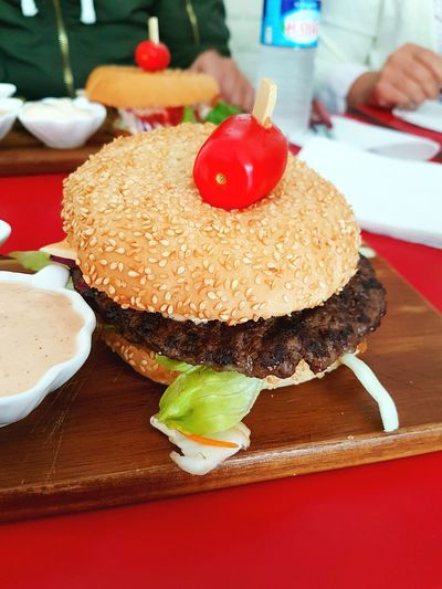 Burger Tomato Hamburger Freshness Unhealthy Eating Meal Serving Size Food And Drink Meat Ready-to-eat Food Fast Food Bread Table Friesandburger LoveFood Photography Sweden Helsingborg